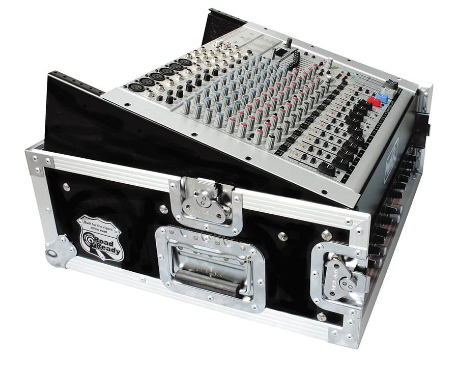 Slant Mixer Rack Case Road Runner M2URR